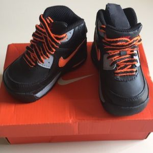 New in box Nike Little Max boot. Size 3.5C